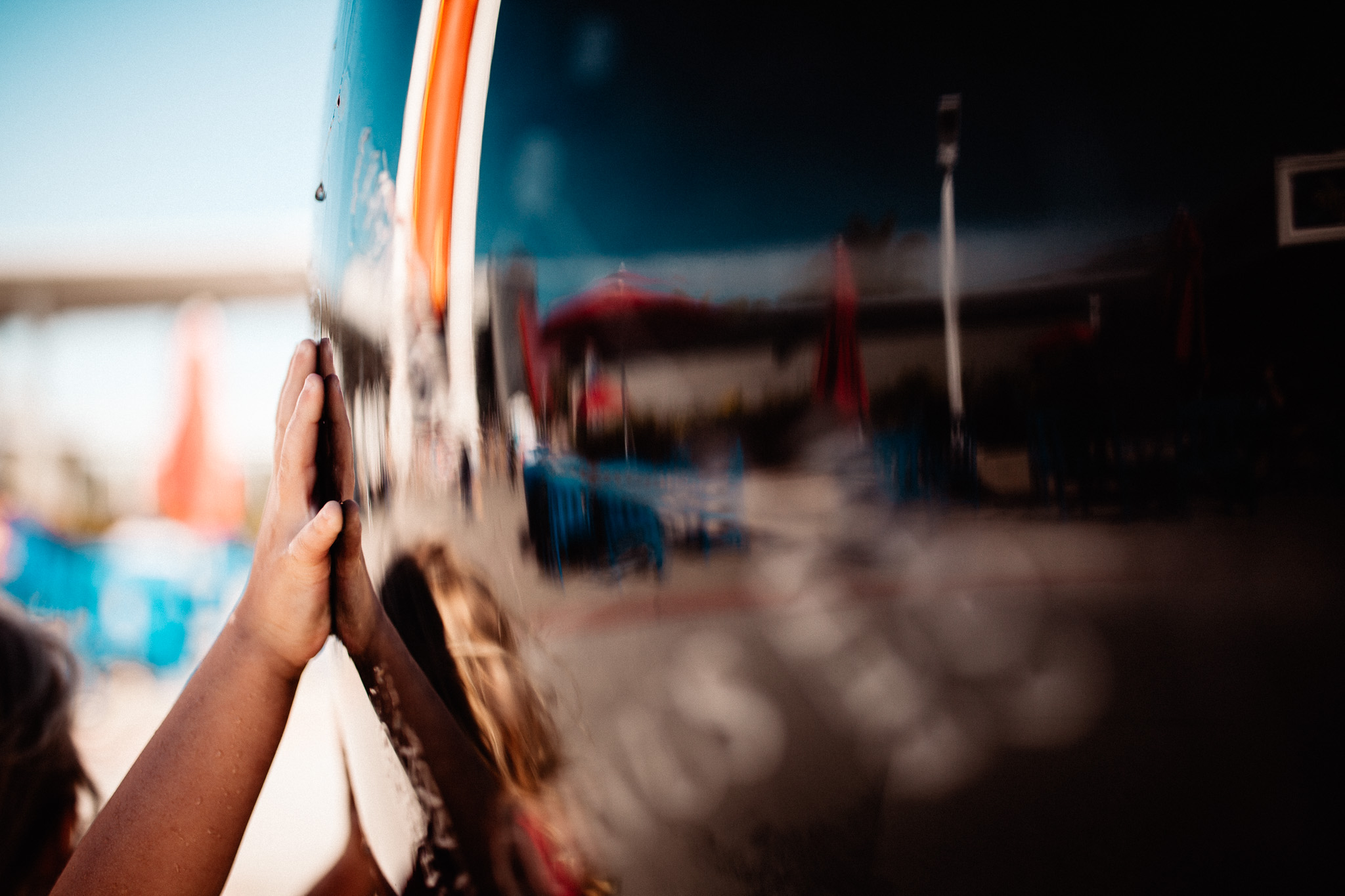 girls hand reflection