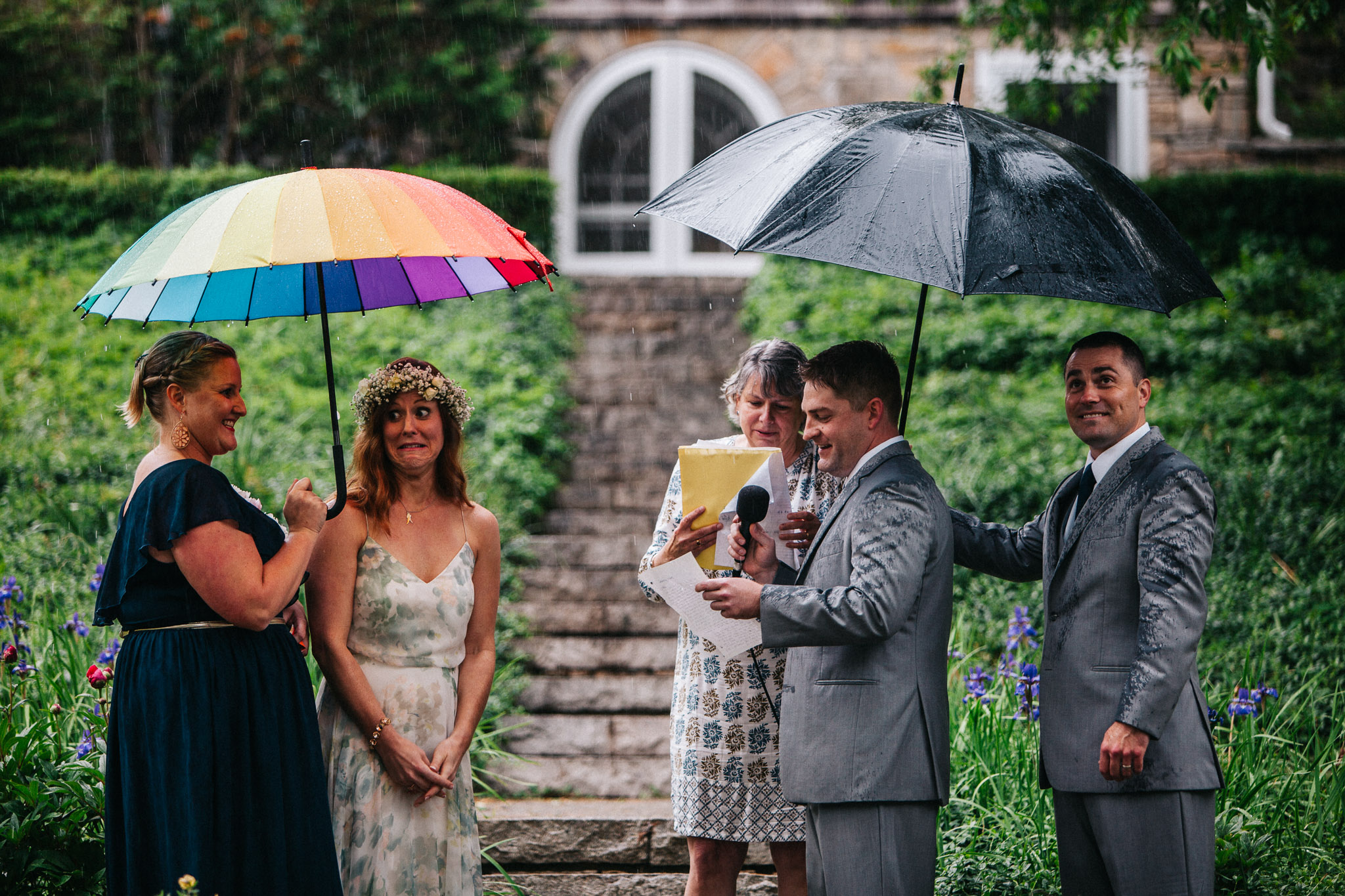 how to deal with rain on wedding day